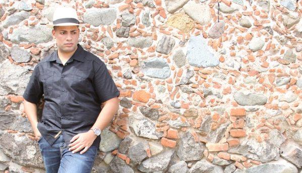 Ángel Colón Green fusiona los acordes típicos boricuas con otros géneros en su primera producción discográfica.
