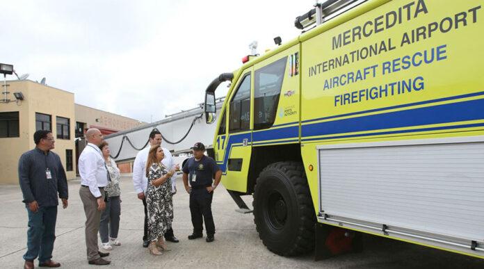 Durante la vista ocular se constató cómo opera uno de los dos camiones especializados en rescate con los que cuenta el aeropuerto. (Suministrada)