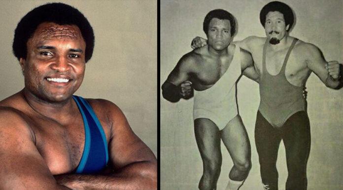 Carlos Colón, oriundo de Santa Isabel, es uno de los más exitosos exponentes de la lucha libre en Puerto Rico. A la derecha, junto a Huracán Castillo, padre. (Fotos suministradas por WWC)
