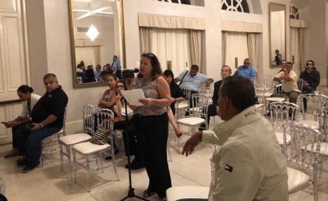 Yanina Moreno presenta su ponencia durante el Town Hall Meeting (o vista pública) de la reforma de la Policía de Puerto Rico efectuado en el Antiguo Casino de Ponce. (Suministrada / Mari Mari Narváez)