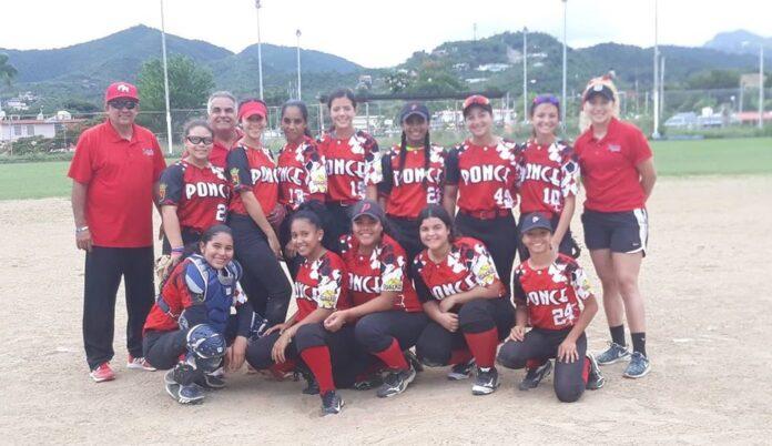 ntegrantes del equipo de las Sureñas de Ponce en la categoría Sub-14.