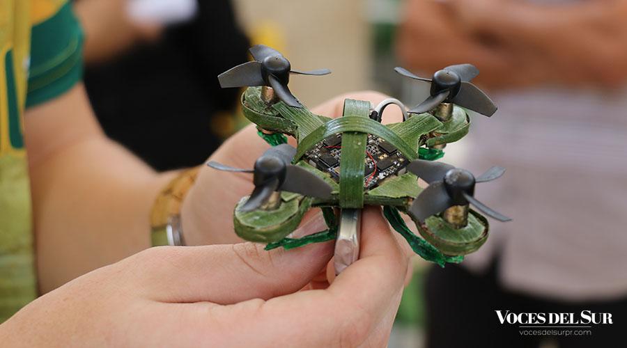 El drone elaborado por un grupo de estudiantes del recinto de Ponce de la Universidad Interamericana de Puerto Rico (UIPR) y la Academia Ponce Interamericana (API).