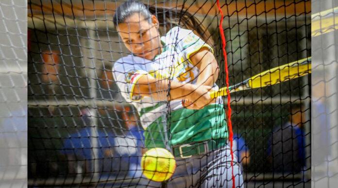 Integrante de las Jueyeras de Maunabo en el torneo 2019 del Sóftbol Superior Nacional Femenino. (Facebook / Municipio Autónomo de Guaynabo)