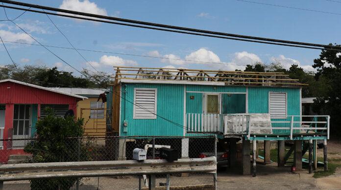 Residencia afectada durante el paso del huracán María.