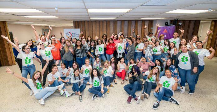 Las estudiantes forman parte de Semillas de Triunfo: Programa de Chicas Embajadoras en STEM. (Suministrada)