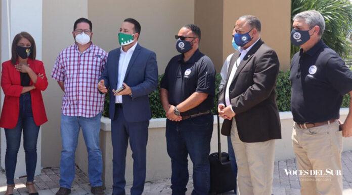 Integrantes de la Asociación de Alcaldes se reunieron con personal de la Agencia Federal para el Manejo de Emergencias (FEMA) en Ponce. (Sara R. Marrero Cabán/Voces del Sur)