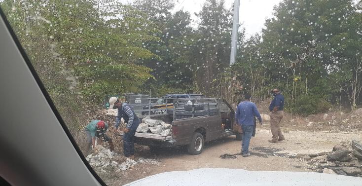 La Policía Municipal de Juana Díaz instó a la ciudadanía a cesar el desecho de escombros en las zonas públicas y carreteras principales.