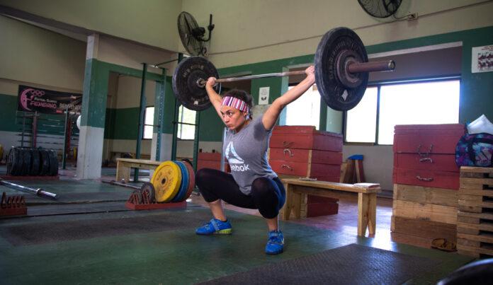 Gilyeliz Guzmán es una de las atletas que entrena en el Albergue Olímpico en Salinas. (Suministrada)