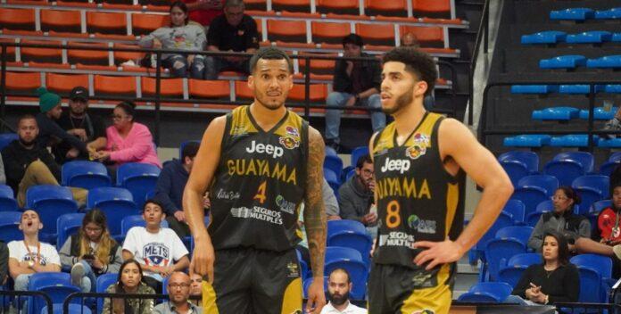 José Rodríguez y Jordan Howard, de los Brujos de Guayama.