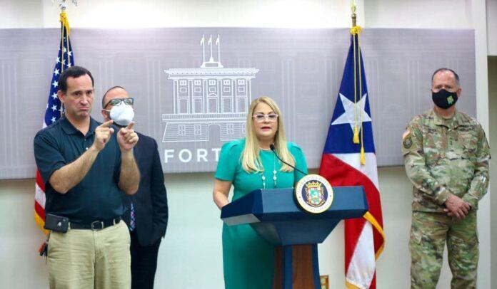La gobernadora Wanda Vázquez ofreció detalles de la nueva orden ejecutiva durante una conferencia de prensa.