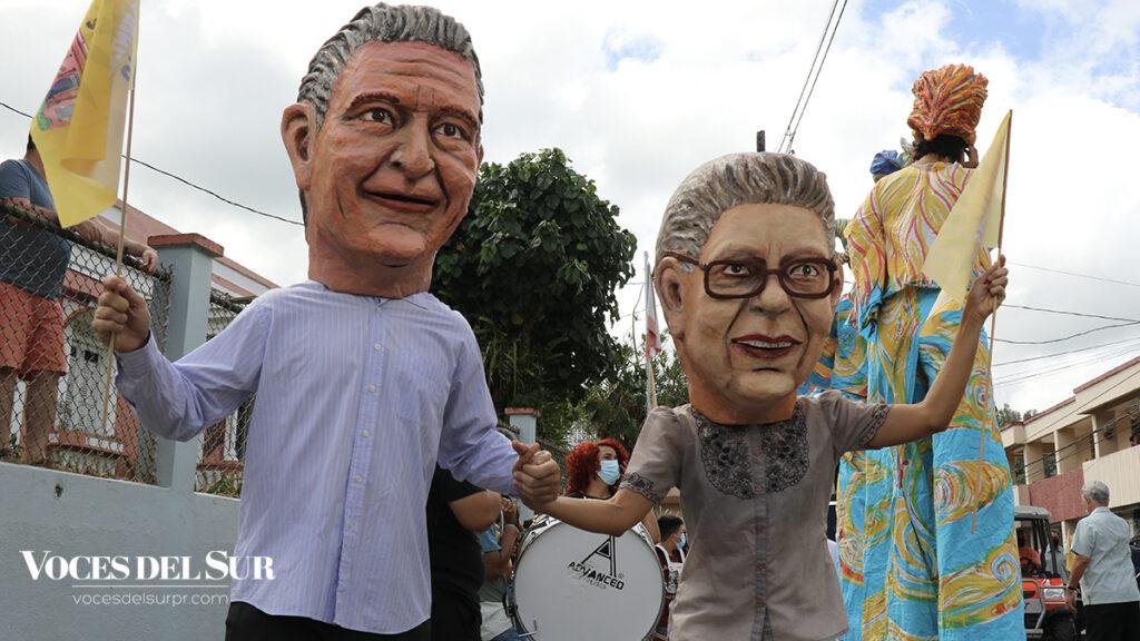 La celebración de Adjuntas Pueblo Solar contó con la participación de cabezudos, zanqueros y otros artistas del colectivo Agua, Sol y Sereno. (Voces del Sur / Pedro A. Menéndez Sanabria)